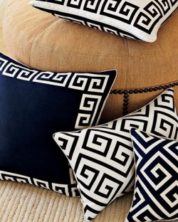windowslivewriter725f535207f2-13a54greek-key-pillow-domino-mag-2