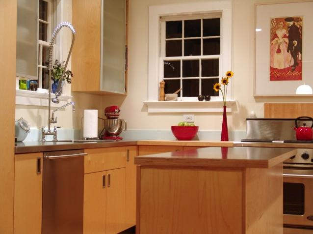 red kitchen accessories   delightful decorations